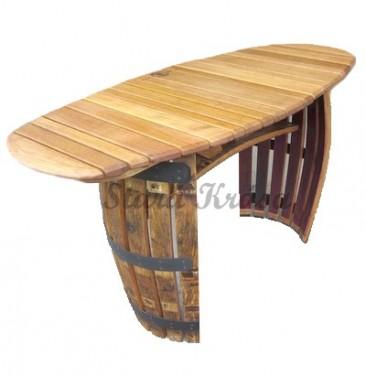 Zahradní stolek pro 4 osoby.