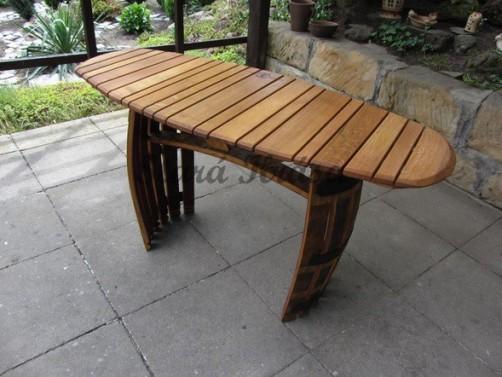 Antik zahradní stolek pro 4 osoby.