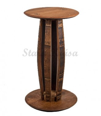 Luxusní barový stolek z dubu.