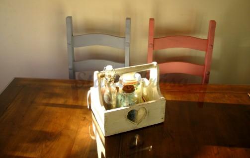 Barevné dřevěné židle