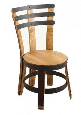 Rustikální jídelní židle v selském provedení z masivu a robustního kování.