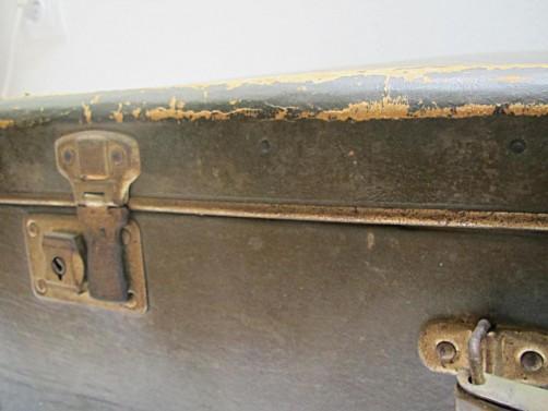 Kufr s patinou