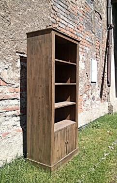 Skříň z jedlového dřeva