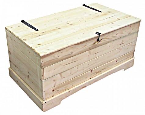 Velká dřevěná truhla