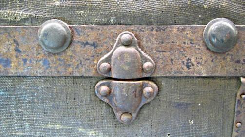 Truhla s originální patinou