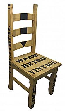 Koloniální vintage masivní židle s nápisy č.1