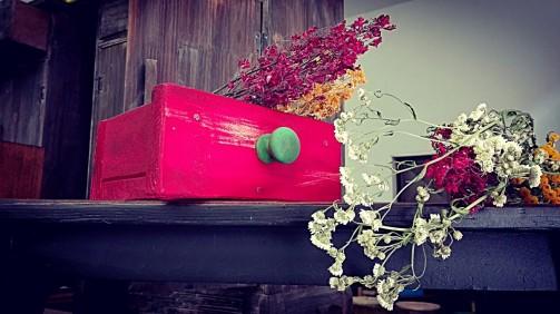 Dóza na květiny ve vintage stylu