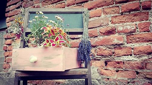 Dózy na sušené květiny v patinovaném šupliku