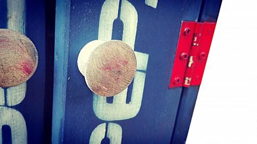 Industriální skříňka na klíče