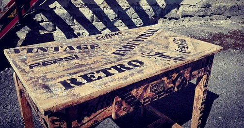 Vintage jídelní stolek