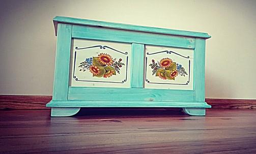 Malovaná truhla s motivem slunečnice