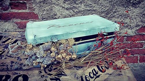 Dekorační starý kufr