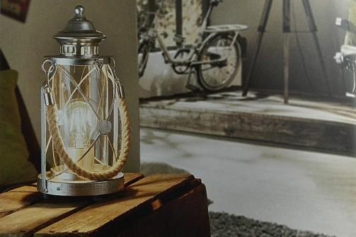 Vintage stolní lampa