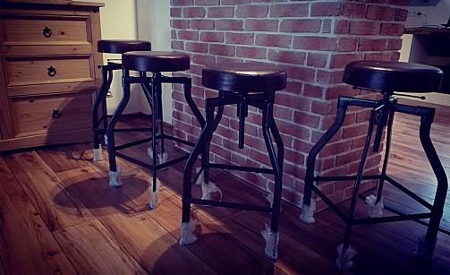 Barové židle s koženým sedákem