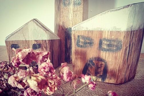Dřevěné vintage dekorace