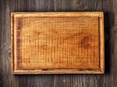 Dřevěné prkénka do kuchyně - krájecí a servírovací desky