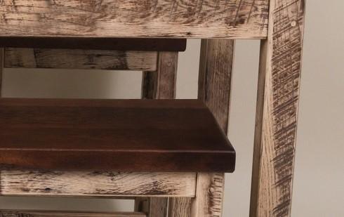 Stůl a židle v provence stylu