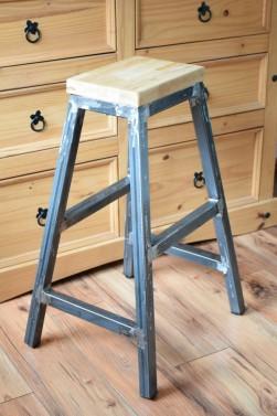 Industriální barová židle