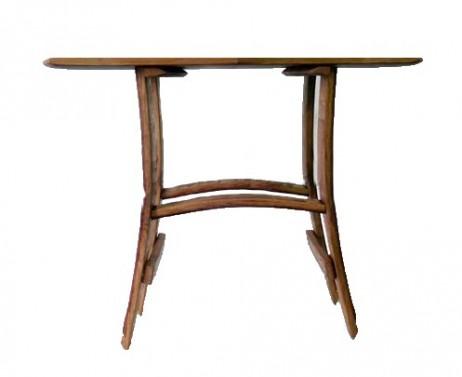 Malé dřevěné stolky