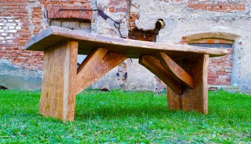 Venkovní dubové lavice