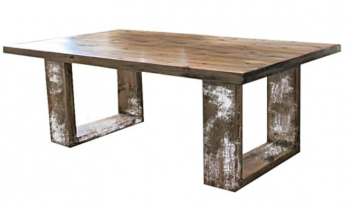 Jídelní stoly z masivního dřeva