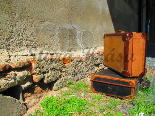 Starý osobní kufr